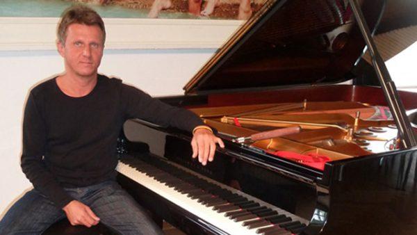 Daniel Simon Sikarew, Klavierstimmer und Klaviertechniker